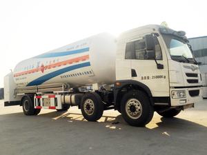 20M?LNG內置泵加注車